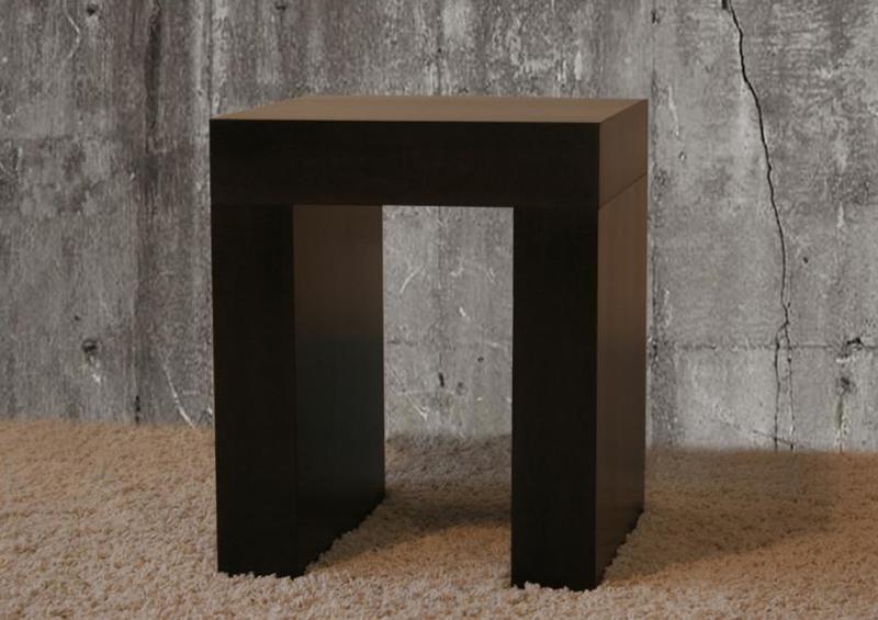 A Rangi konzolasztalegyedi színben is rendelhető, így máshol vásárolt bútorokhoz is tudjuk igazítani a pácolás színét.