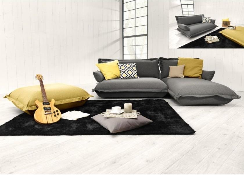 A Tom Tailor Cushion ülőgarnitúra meghökkentő és fiatalos formájakisebb és nagyobb lakásokban egyaránt jól mutat.