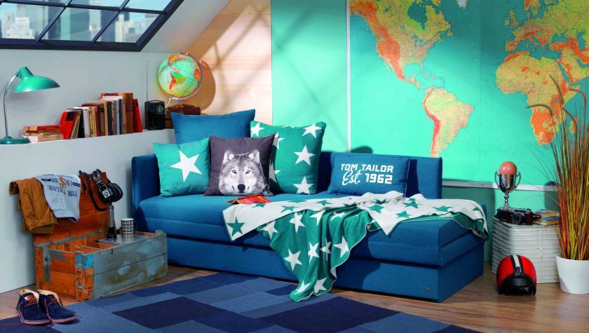 A Tom Tailor Guest kanapé kétszemélyes ággyá alakítható. A GYEREKSZOBA BERENDEZÉSE. Az ezen az oldalon található bútorápolási tanácsok segítenek abban, hogy a tőlünk vásárolt termékek hosszú ideig szépek maradjanak.
