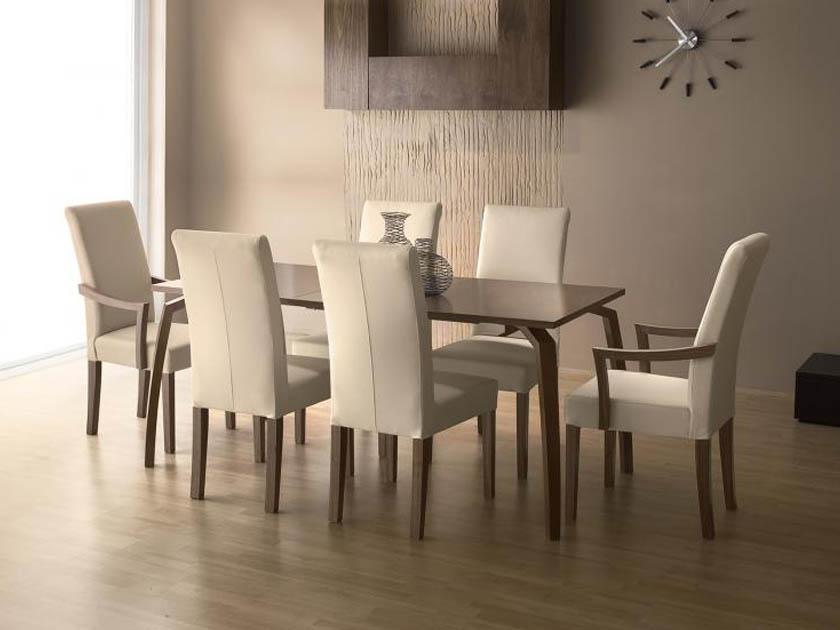 A Toni szék a MAX City lakberendezési bevásárlóközpontban a földszinten a RIO art & design üzletben rendelhető.