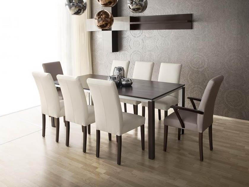 A Toni szék és Luna asztal ebben a kontrasztos világos sötét párosításban rendkívül elegáns.