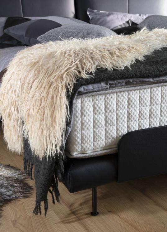 Az ADA Prémium Noomi franciaágy ötvözi az egyszerű, letisztult eleganciát és a funkcionális kifinomultságot.