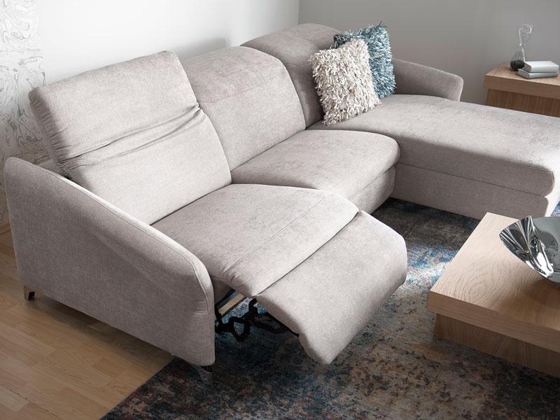 Az ADA Milano ülőgarnitúra többféle változatban elérhető az Ön igényeinek megfelelően, például 8 különböző karfa közül választhat.