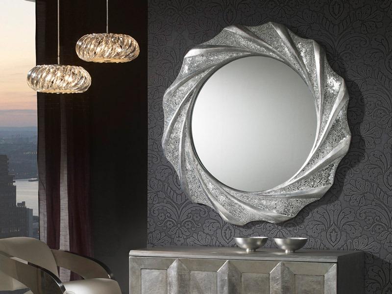 A Gaudi falitükör (kerek) termékünk kiemelten nagy eleganciáját és esztétikai jelenlétet biztosít.