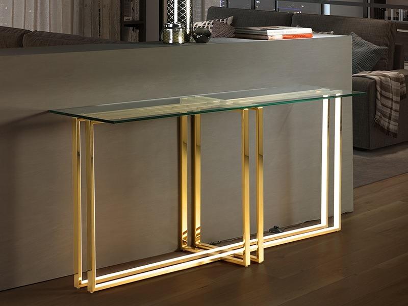Az Aurea aranyszínű konzolasztal egy téglalap alakú konzolasztal, amelyet beépített LED-lámpával.
